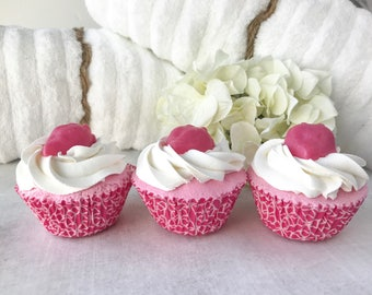 Bath Bomb Cupcake - Cupcake Bath Bomb - Strawberry Bath - Pink Bath Bomb - Bath Fizzy - Fruity Bath Bomb - Summer Bath Bomb - Cupcake Bath