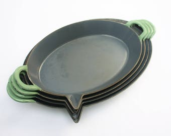 FE Belgium Cast iron enamel frying pan, 1940s, indestructable quality
