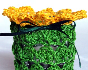 Windlight crochet green yellow red white