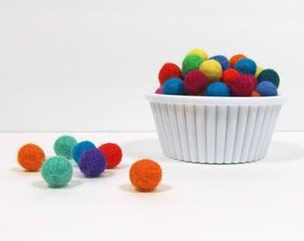 Handmade Felt Pom Poms, Mini 1 cm size, 25 pieces, Felt Beads, 100% Merino Wool