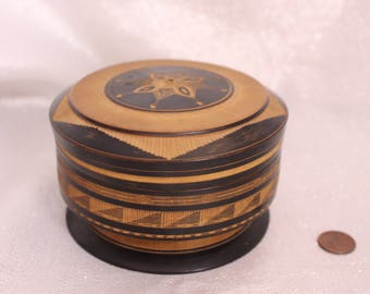 Vintage Round Carved Wood Trinket Box with Lid, Design on Lid, Ring Box Gift Box