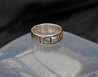 Rennie MacKintosh Silver Ring Size N (6.75)