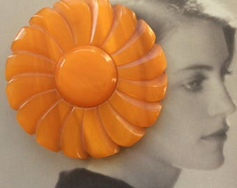 Vintage Art Deco Bakelite Giant Sunflower Brooch