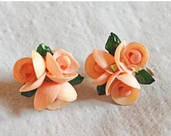 ON SALE: Beautiful Vintage Earrings - Pink Flowers with Leaves, Screwback Earrings, 1930s or 1940s, Celluloid?