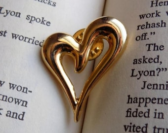 80s Gold Heart Brooch Valentines Day Jewelry