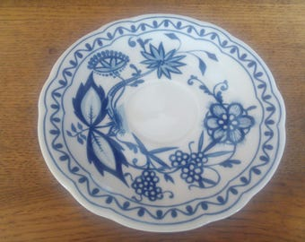 Saucer blue onion by KAHLA GDR, undertaking onion pattern from KAHLA GDR 14, 5cm