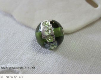 ON SALE Green Lamp Work Czech Glass Beads Silver Lamp Work Czech Glass Beads Silver Metallic Czech Glass Beads 8mm (1 pc) 127V3