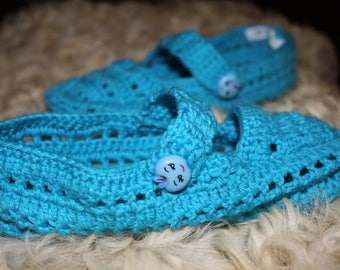 CHILD'S BLUE WOOL BOOTIES
