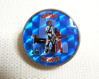 Vintage 70s - David Bowie - Ziggy Stardust - Prism Style with Clubman Style Pinback Dome Pin / Button / Badge