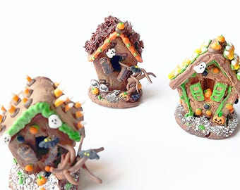 Set of three 1:2 Halloween Miniature gingerbread houses / Dollhouse Halloween miniature scale 1 12 / Scale one inch miniature pastry