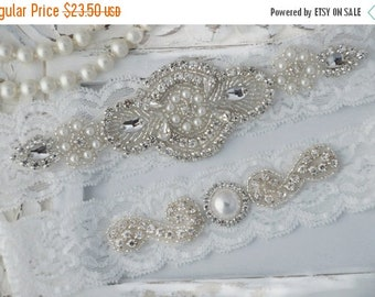 ON SALE Wedding Garter, Wedding Garter Set,Bridal Garter Set, Crystal Rhinestone Pearl Keepsake Toss Garters, Off White Stretch Lace Wedding