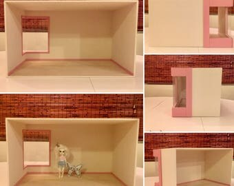 """Empty room box /diorama with large corner modern window and contrast color exterior for 4"""" ~ 5.5"""" dolls."""