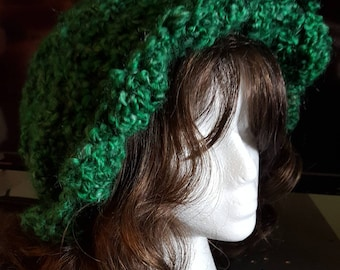 Green slouch hat with brim. Ladies slouch hat. Irish slouch hat. Warm slouch hat. Christmas slouch hat in malachite.  St Patrick's hat