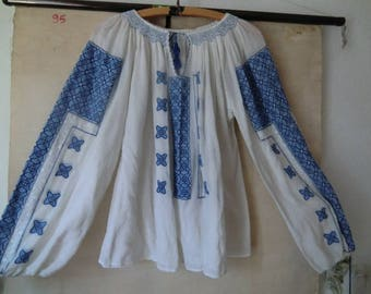 70s folk blouse true vintage ethnic embroidery hippie Festival summer boho embroidered blue white