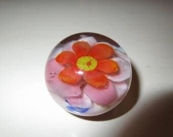 ART GLASS PAPERWEIGHT