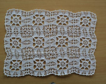 Rectangle 27 X 38 cm assembled square white cotton doily