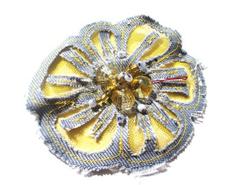DENIM AND YELLOW EMBROIDERED TULLE FLOWER PEARL YELLOW AND BLUE 8 CM DIAMETER
