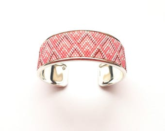 Very pretty pink and silver cuff beadwoven miyuki mounted on rigid support