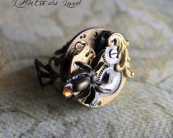 """Ring mechanism steampunk spider - """"Spider web"""" and old gold"""