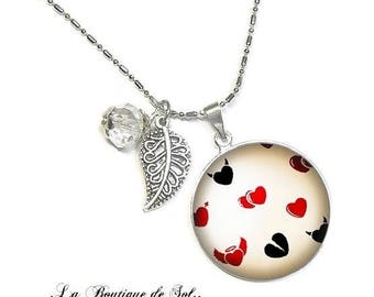With its 25 mm cabochon beads necklace * mi-ange, half-demon * (030218)