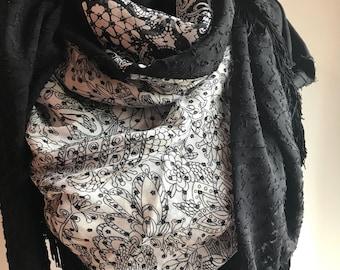 Black and white triangle fringe scarf