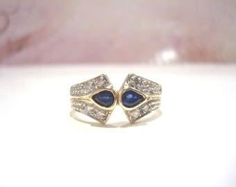 Superb 18 Carat Gold Sapphire Diamond Ring 4.10 Grams.