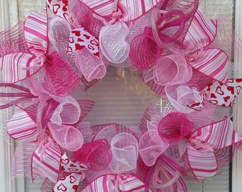 Valentine Wreath, Valentine's Day Wreath, Heart Wreath, Holiday Wreath, Love Wreath, Deco Mesh Wreath, Ribbon Wreath