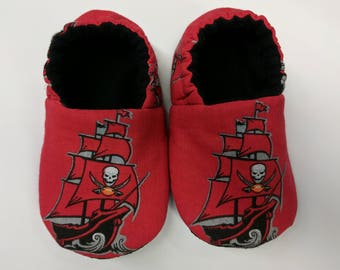 Tampa Bay Buccaneers baby shoes, baby slippers, crib shoes
