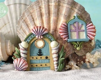 Fairy Garden  - Glow-In-The-Dark Seashell Fairy Door & Window - Miniature
