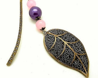 Bookmark jewelry bronze, leaf and Pearl Pink and purple