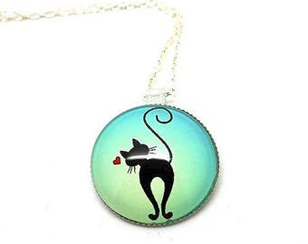 Necklace at the middle silvered length cabochon glass black cat