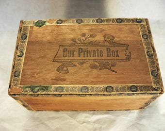 ANTIQUE WOODEN CIGAR Box: Our Private Box Cigars