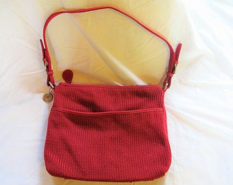 The Sac Crocheted Handbag in Red for Summer Fun