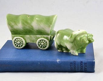 Salt Pepper Shakers Western Covered Wagon Oxen Team - Vintage Old West Cowboy Shakers - Green