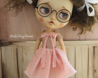 Shabby Chic Dress & Leg Warmers For Blythe - Handmade, tattered blythe dress, pink dress, dusky pink dress, sleeveless dress, Vintage style.