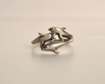 Sterling Pod of Dolphins Ring Silver Animals Sea Creatures Family Band Modernist 90s 1990s Unique Rare Fun Statement Cool Gift Present