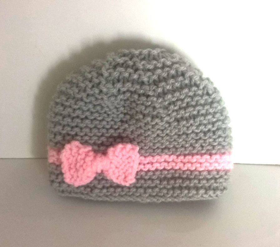 bonnet en laine naissance fille gris clair et rose clair. Black Bedroom Furniture Sets. Home Design Ideas
