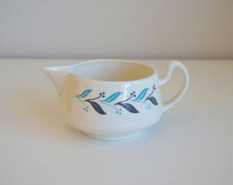 Mid Century Homer Laughlin Creamer #E56N6