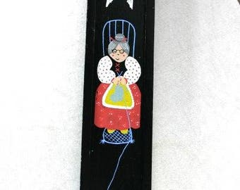 Vintage Black Wooden Knitting Needle Case Cat And Old Lady Wooden Hand Painted Needle Case Sowing Supplies Old Needle Case Cat Needle Case