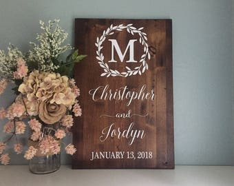 Wedding Welcome Sign, Wedding Entrance Sign, Laurel Wreath Wedding Name and Date Sign, Rustic Wedding Decor, Wood Wedding Sign, Country Wedd