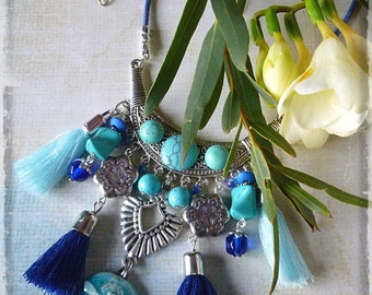 "Bib necklace style ethnic ""Curacao"" natural leather torque metal, turquoise howlite, tassels, ceramic"