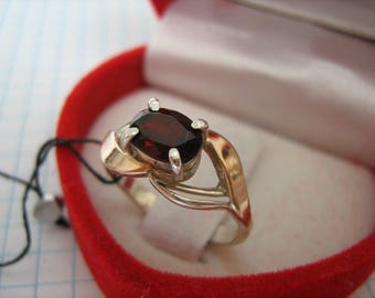 FANTASTIC 925 Sterling Silver and Solid 375 Gold Ring Natural Oval Red Garnet Real Genuine Gem Stone Gemstone US Size 5.75 Russian Size 16.5