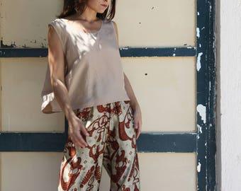 Vintage beige 100% silk sleeveless top.size L