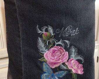 Denim purse, embroidered pink blue roses, repurposed denim, 10 / 12, cross-body strap, lining pink flower, zip pocket, inside pockets, merci