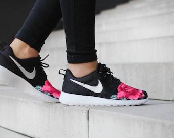 Nike roshe run floral | Etsy NZ