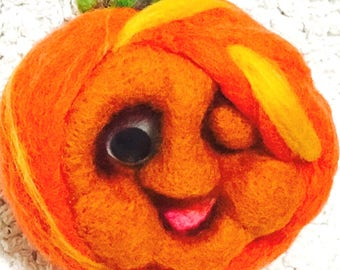 Unique Ornament, Happy Pumpkin Sculpture, Mini Felt Pumpkin Ornament, Halloween Pumpkin, Needle Felted Ornament, Fridge Magnet