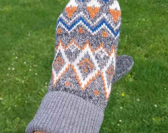 Nordic sweater mittens. Recycled sweater mittens.  Wool mittens.  Mittens made from sweaters.  Women's gift. Upcycled sweater mittens