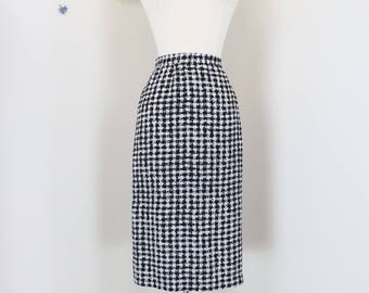 "1980s Skirt - Houndstooth Midi Pencil Skirt - Classic Black White Check - Designer Julie Francis - Silk - Size 12 - Medium Large  30"" Waist"