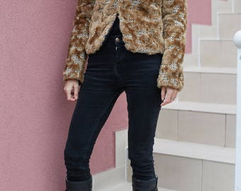 Vtg Woman Fur Coat Jacket/Vintage Woman Faux Fur Coat/Teenage 90s Steampunk Psychadelic Grunge Hipster Hippie Festivals Fall Jacket