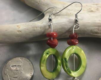 Grean circle bead earrings